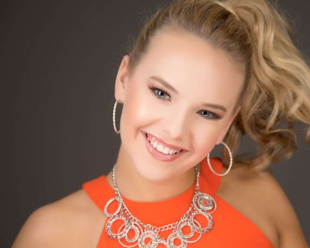 Kentucky Festivals Pageant Headshot