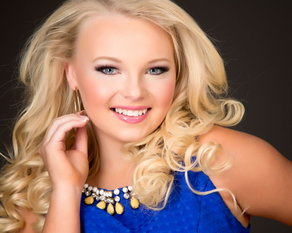 Winning Pageant Headshot